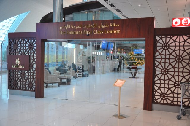 emirates-airlines-dubai-dxb-new-york-jfk-march-2010-4