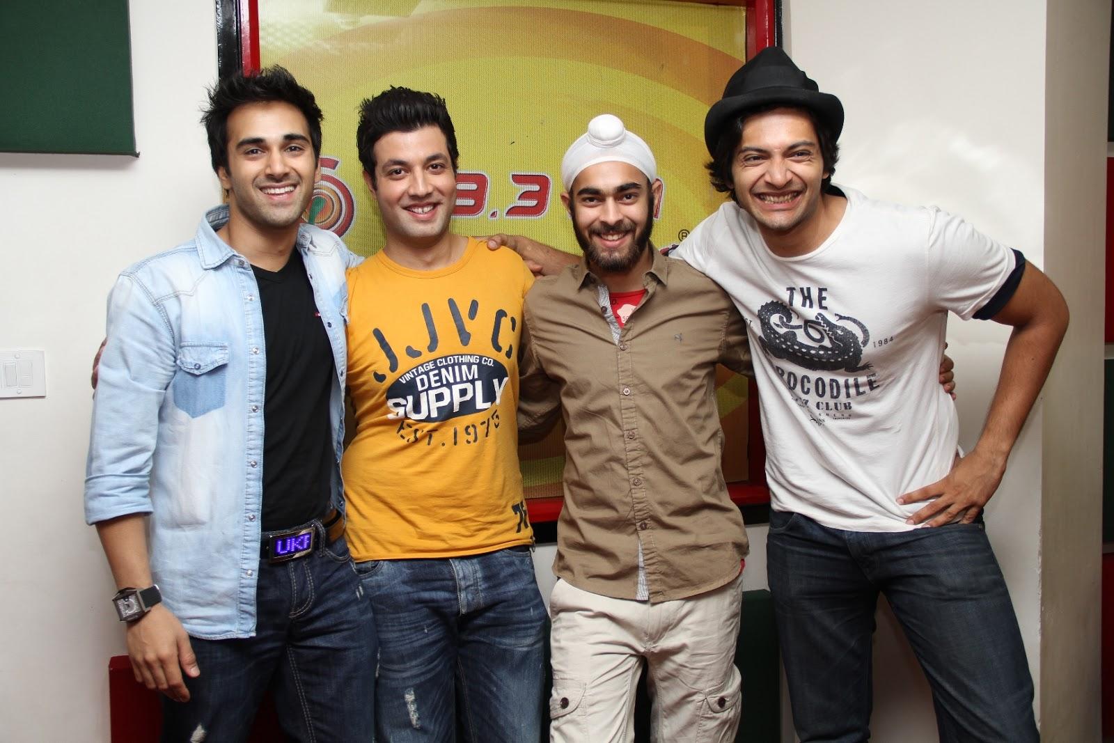 team-fukrey-at-radio-mirchi-mumbai-studio-for-movie-promotion-2