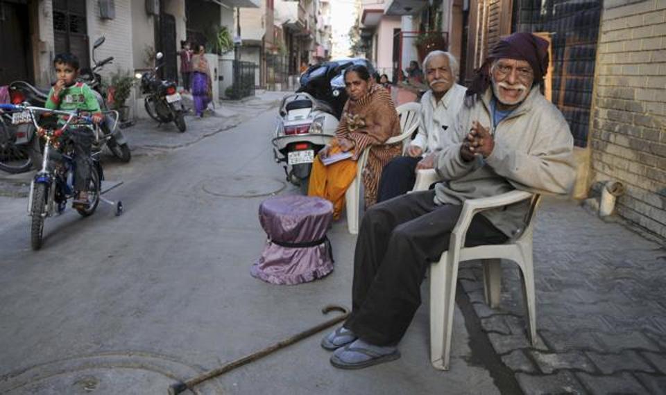 personnel-identified-hindustan-withdraw-resident-thursday-december_693f24dc-c2d3-11e6-913d-826c0833a15d