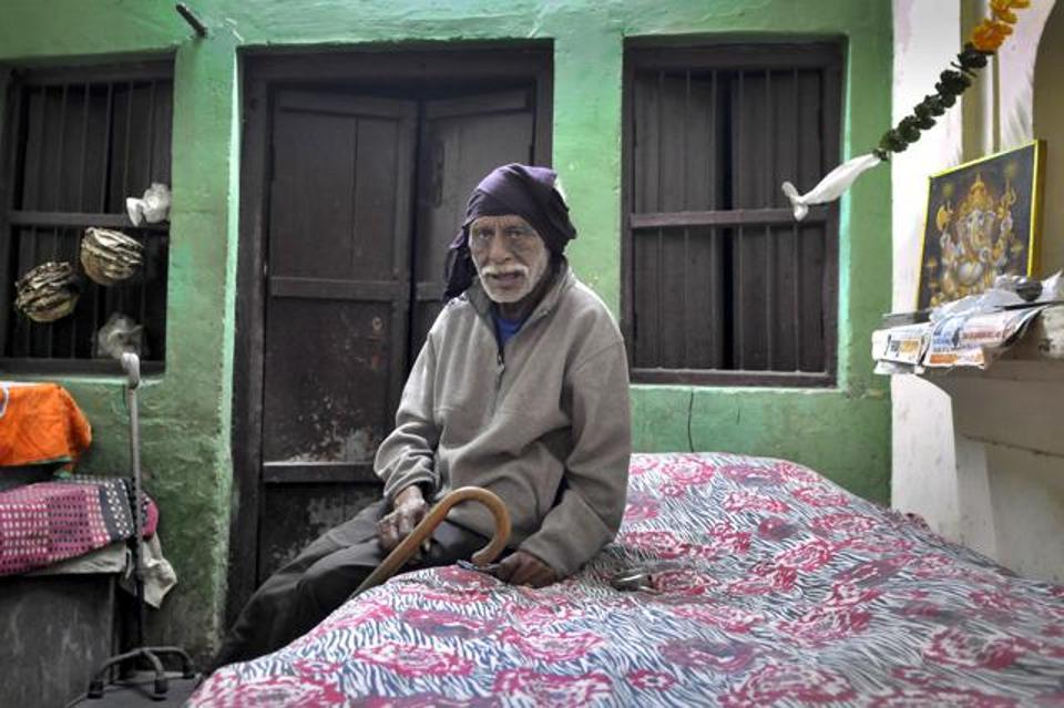 personnel-identified-hindustan-withdraw-resident-thursday-december_6f87d4d8-c2d3-11e6-913d-826c0833a15d