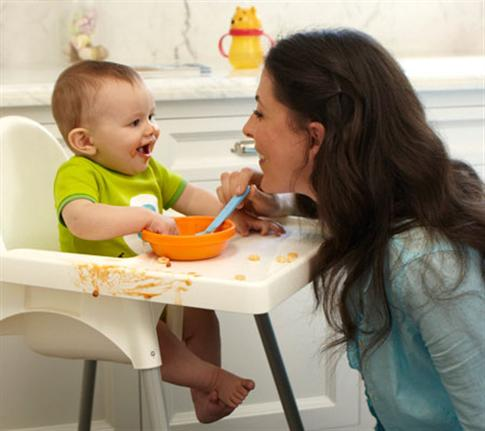 baby-food-preparation_mom-and-baby