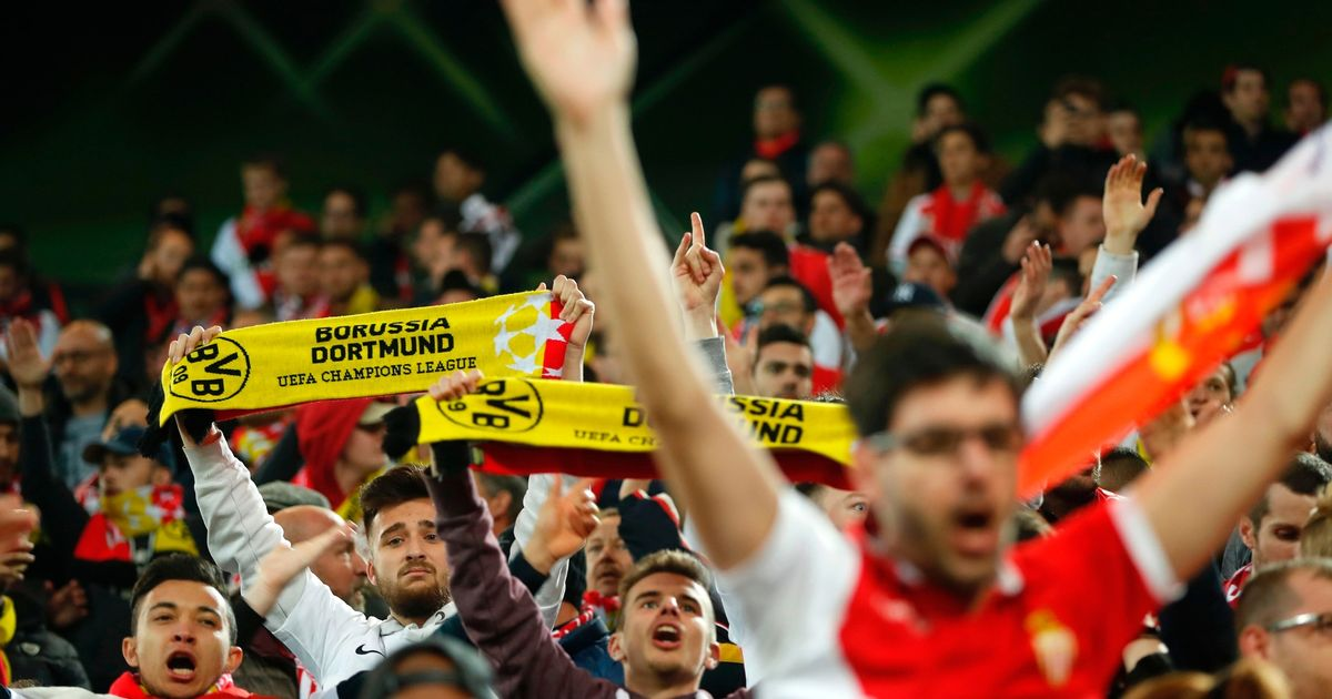 monaco-supporters-with-borussia-banners