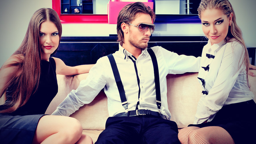 http://www.newsmobile.in/wp-content/uploads/2017/06/stylish-guy-with-two-girls-portrait.jpg