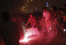 Air Quality, AQI, record, severe, Delhi, Diwali, celebrations, Pollution, NewsMobile, Crackers, Mobile News, India