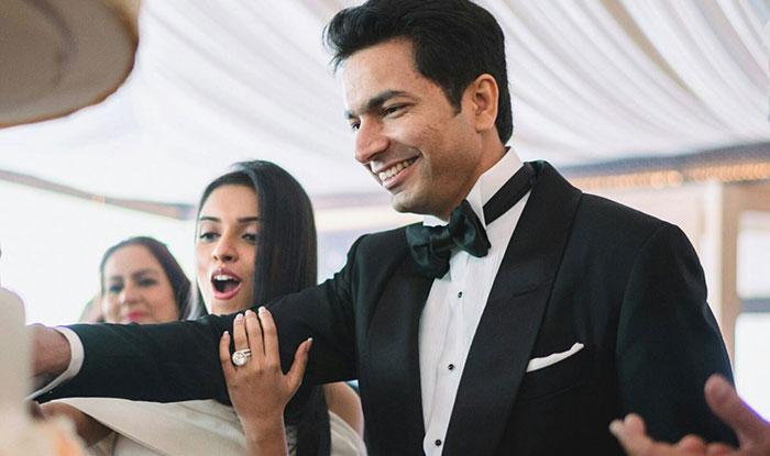 Bollywood, Asin, co-founder, Micromax, Rahul Sharma, Baby, girl, NewsMobile, Mobile News, India