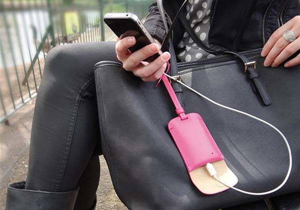 bag_tag_portable_charger_fits_your_fasionable_bag_1