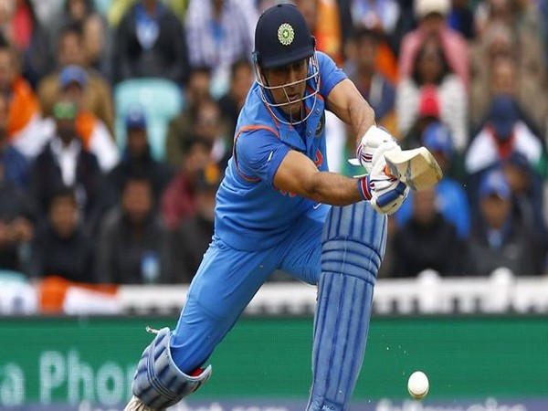 Britain Cricket - India v Sri Lanka - 2017 ICC Champions Trophy Group B - The Oval - June 8, 2017 India's MS Dhoni in action Action Images via Reuters / Peter Cziborra Livepic EDITORIAL USE ONLY.